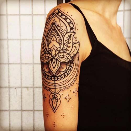 kadın omuz dövmeleri mandala woman shoulder tattoos