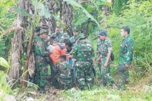 Puluhan Personel Lanud Leo Wattimena Laksanakan Patroli Aset