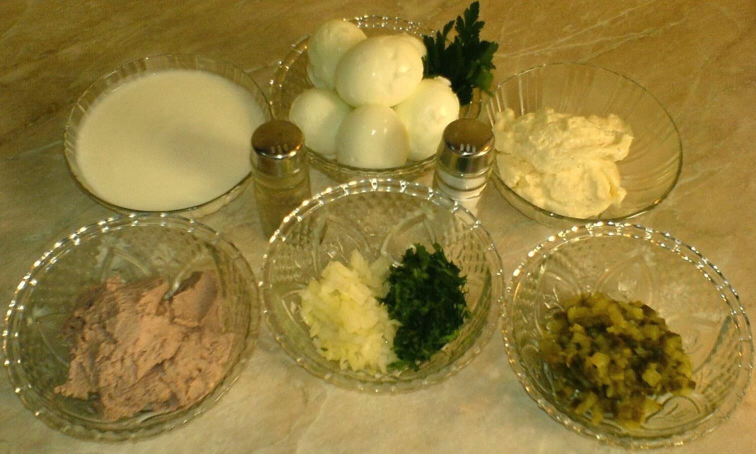 retete aperitive, retete culinare, oua umplute, retete usoare, oua umplute in sos tartar, retete si preparate culinare,