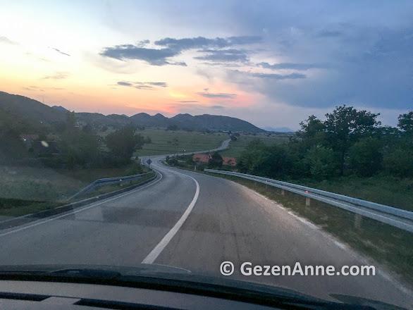 Bosna Hersek yollarında Mostar'a doğru