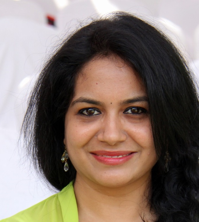 Singer Sunitha Hot Face Close Up Photos