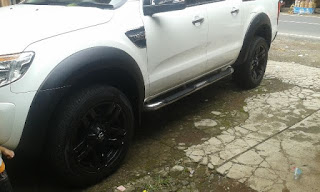 Over Fender all new Ford Ranger galerry model polos.