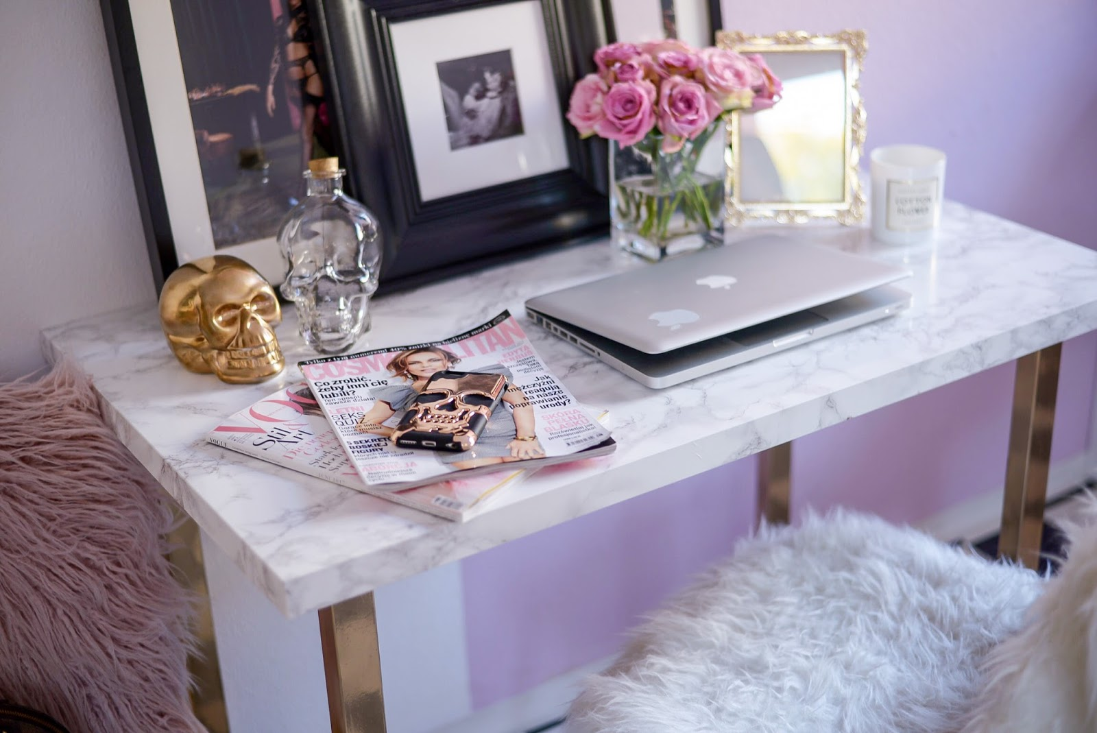 diy marble table from ikea_ikea hacks_ikea gold hacks_marble table hacks_gold spray paint hacks
