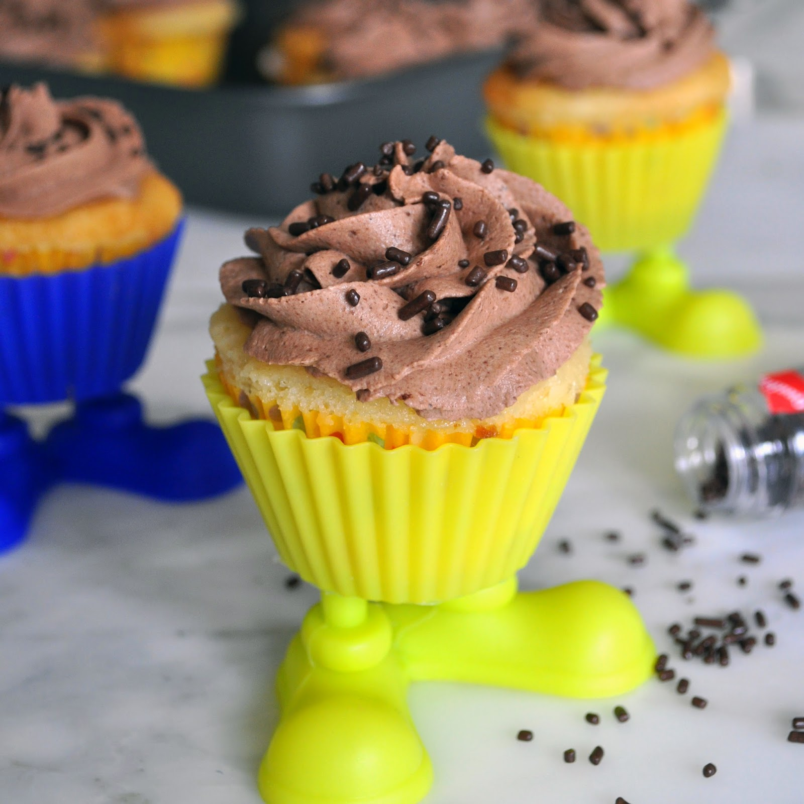 Cooking With Manuela Vanilla Cupcakes With Chocolate