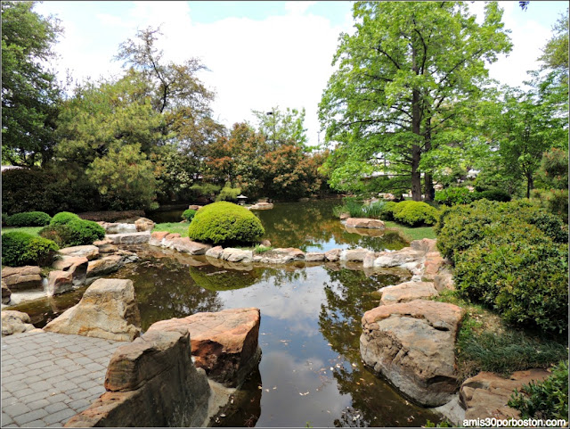 Lagos del Fort Worth Japanese Garden, Texas