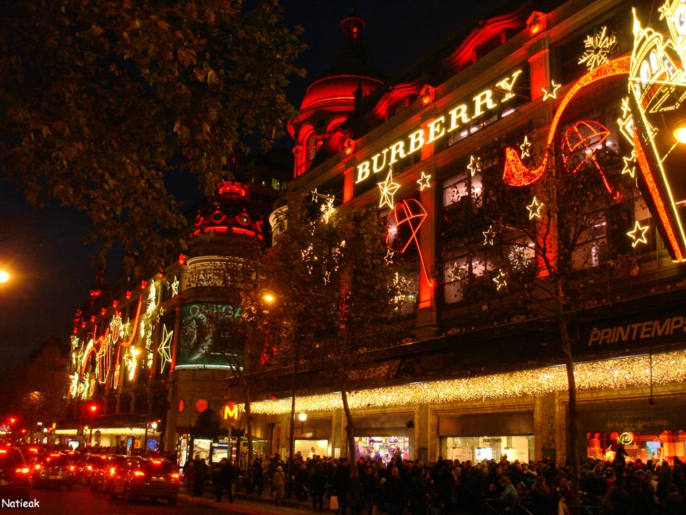 Illumination de Noël 2014  Burberry Au Printemps