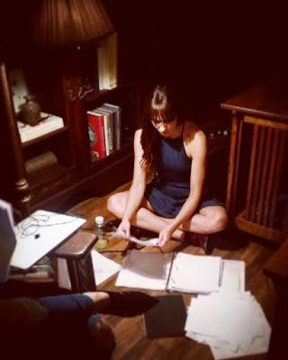 "PLL bts 7x14 ""Power Play"" Troian Bellisario prepping director"