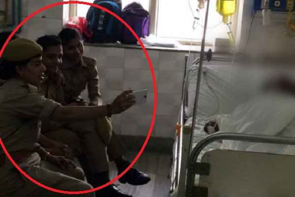3-women-police-constable-suspended-selfie-with-gangrape-victim