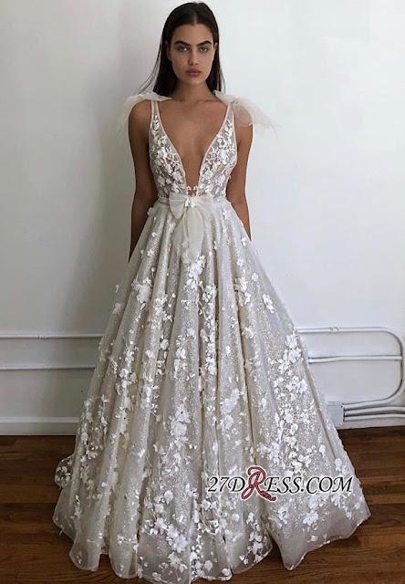 Vestidos de Noiva Decotados com Aplique Floral