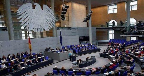البرلمان الألماني مشاركة برلين في أي اعتداء عسكري غربي على سورية مخالفة للدستور