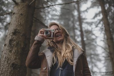 Memulai Hobi Fotografi, Tahap Awal Untuk Sukses di Bidang Fotografi usaha fotografi rumahan modal usaha fotografi Ikut seminar atau workshop fotografi Belajar edit foto Ikut lomba foto Ikut pameran foto Pelajari buku manual kamera