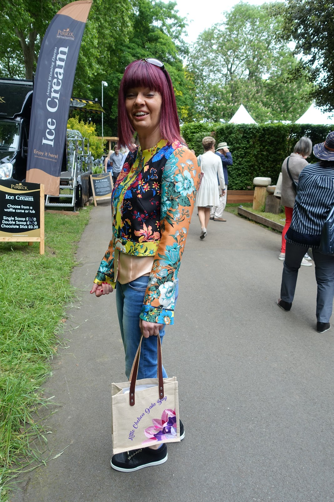 Colourful fashionista at Chelsea Flower Show 2017