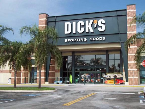 Fachada da loja de esportes DICK'S Sporting Goods em Miami