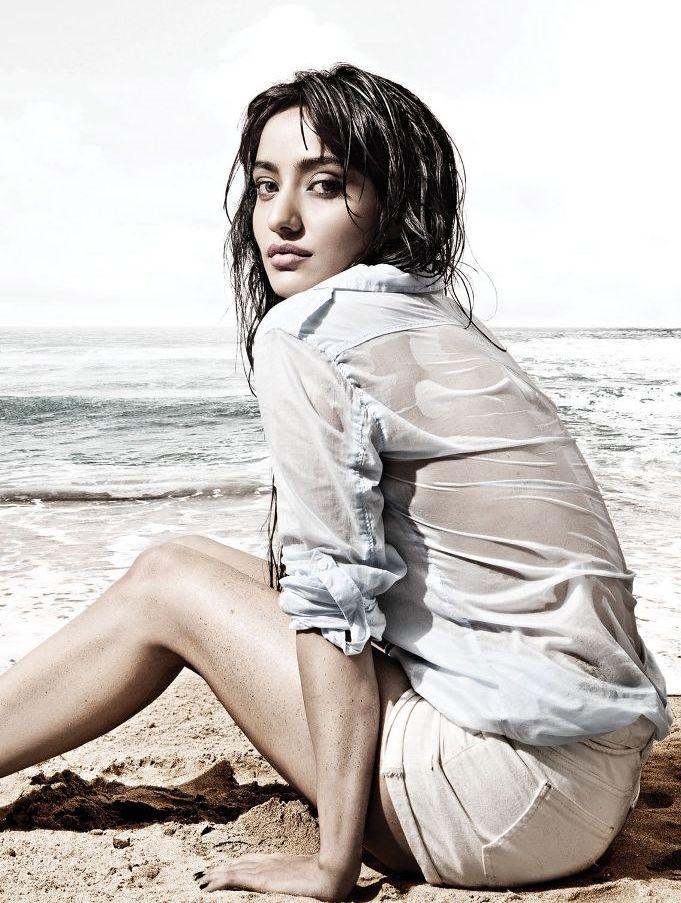 Neha Sharma Hot Cleavage And Navel Show Photos - Hot Blog -6466