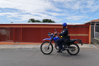 Police on dirt bike in Puriscal.