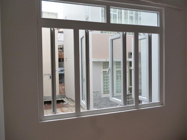 Mẫu cửa sổ nhựa lõi thép mở quay 4 cánh