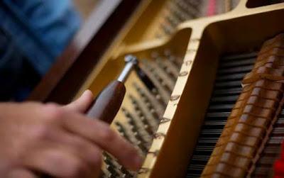 Lên dây đàn piano quan trọng như thế nào