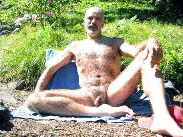 Men naked outside Desert