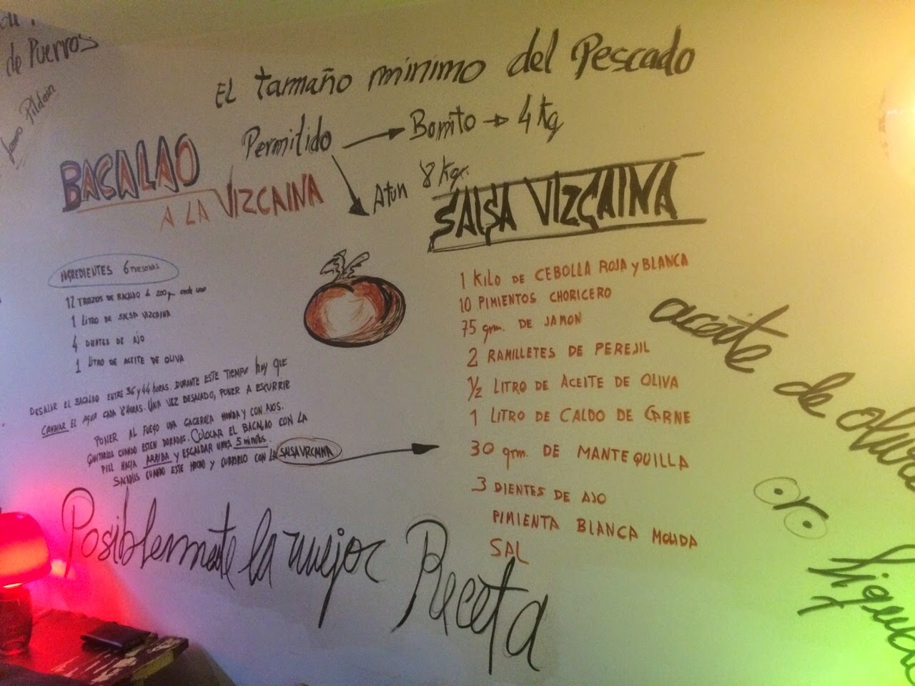Detalle del comedor del restaurante Sukalde en Bilbao