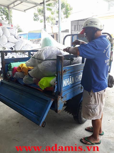 Công Ty ADAMIS giao vải poly màu cho xưởng may tại khu dân cư Thuận An - Bình Dương