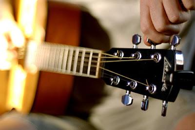 belajar gitar, belajar menyetem gitar, tips, belajar stem gitar, menyetel gitar,