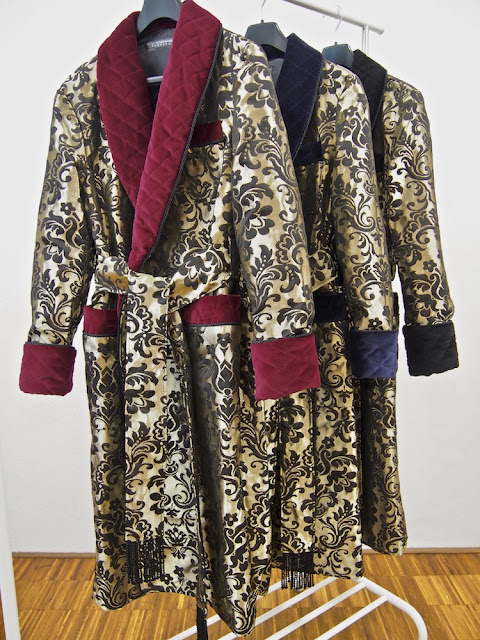 Gentleman silk dressing gowns paisley robes for men long quilted shawl collar velvet warm mens housecoat