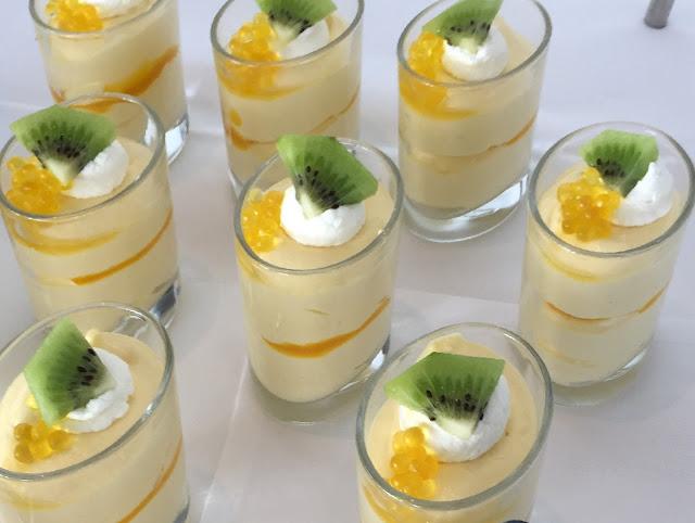 Dessert mit Kokos und Mandarinen