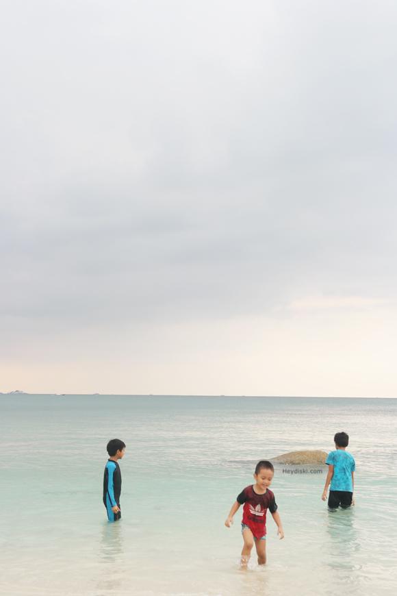 pantai-tanjung-tinggi-belitung