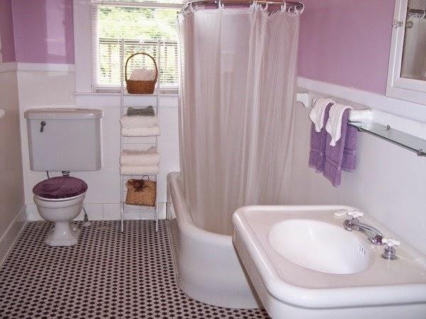 Contoh motif keramik kamar mandi yang terlihat serasi dan cocok untuk rumah minimalis