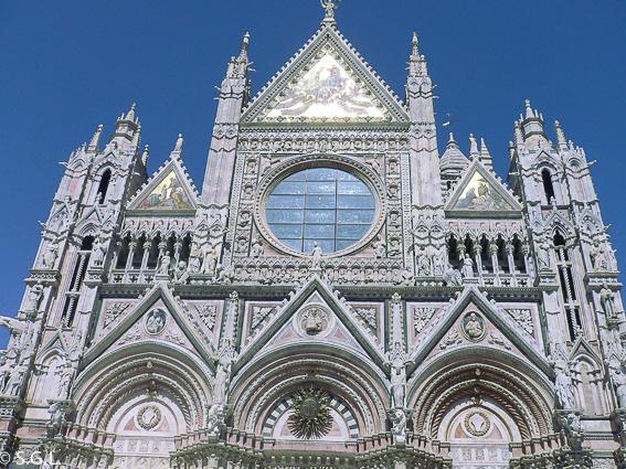 Duomo de Siena, una ciudad medieval de la toscana