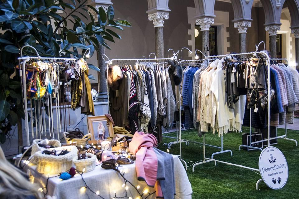 1da1e21bf Emma Bolt Trends  Zoco Barcelona el market navideño de ropa y ...