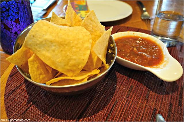 Restaurante Rosa Mexicano: Nachos y Salsa