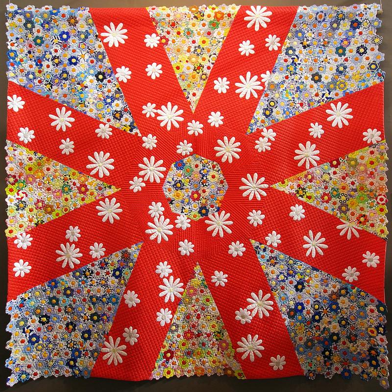 Tokyo International Quilt Festival | Asterisk/Hexagon Quilt | © Red Pepper Quilts 2018