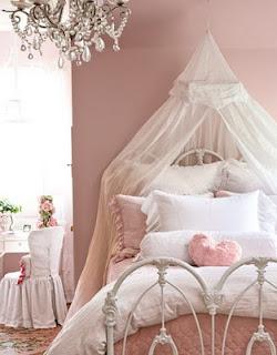 Dormitorio niña romántica