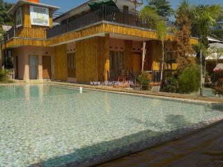villa di ciater fasilitas kolam renang