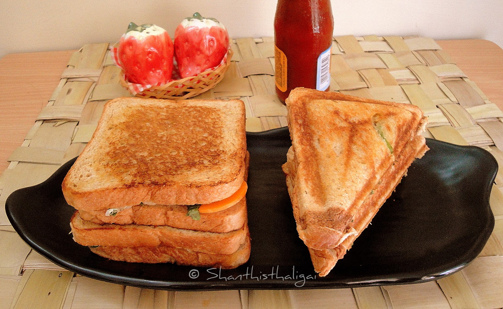 QUINOA AND SWEET POTATO TOASTED SANDWICH, QUINOA AND SWEET POTATO SANDWICH TOAST, Quinoa sweet potato sandwich recipe, Sandwich with quinoa sweet potato filling,