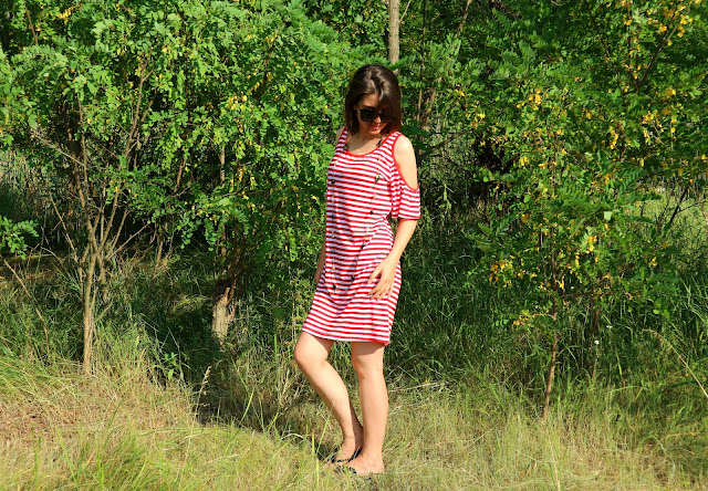 Zaful Cold Shoulder Striped T-Shirt Dress