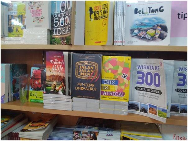 Baca Buku Wisata Sebelum Tamasya, Tips Penting Traveling