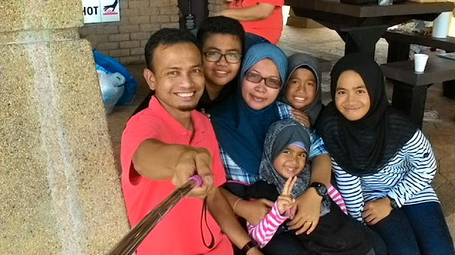 Groupfie keluarga blogger malaysia