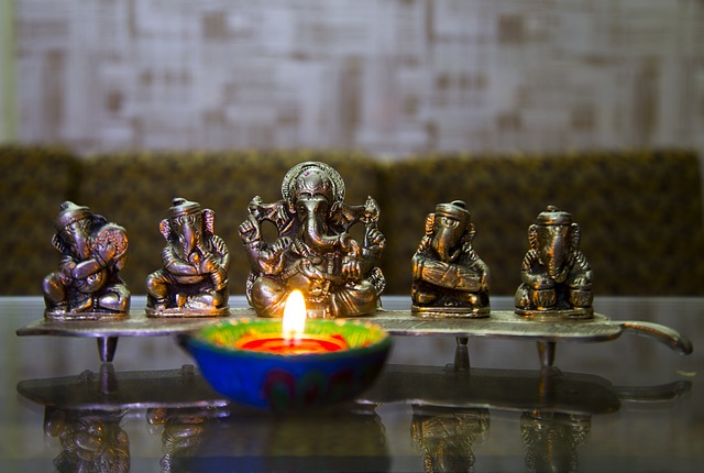 5 Best Happy Diwali Poems in English for kids and Students