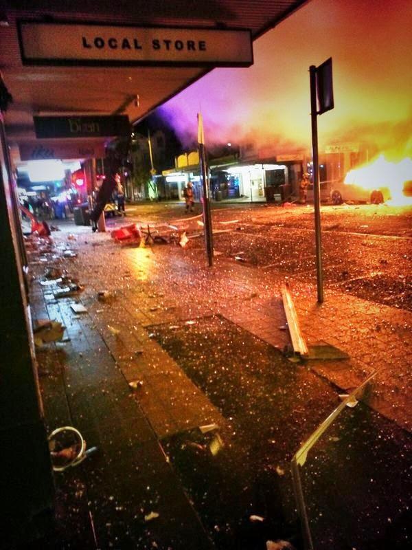 O momento horrível uma enorme explosão Rocked Sydney Suburb