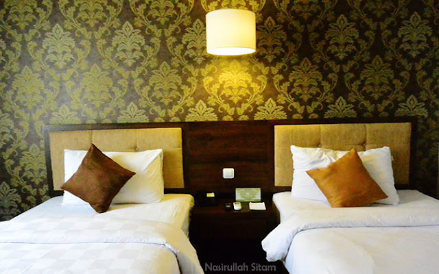 Bermalam di Hotel Safira, Magelang
