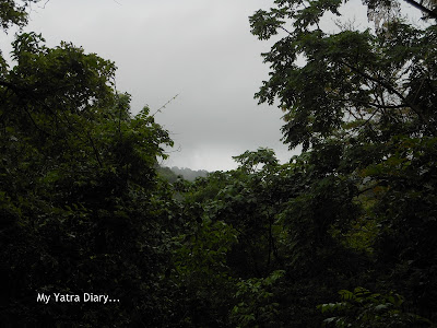 Grey skies at the Tungareshwar temple in Vasai, Mumbai