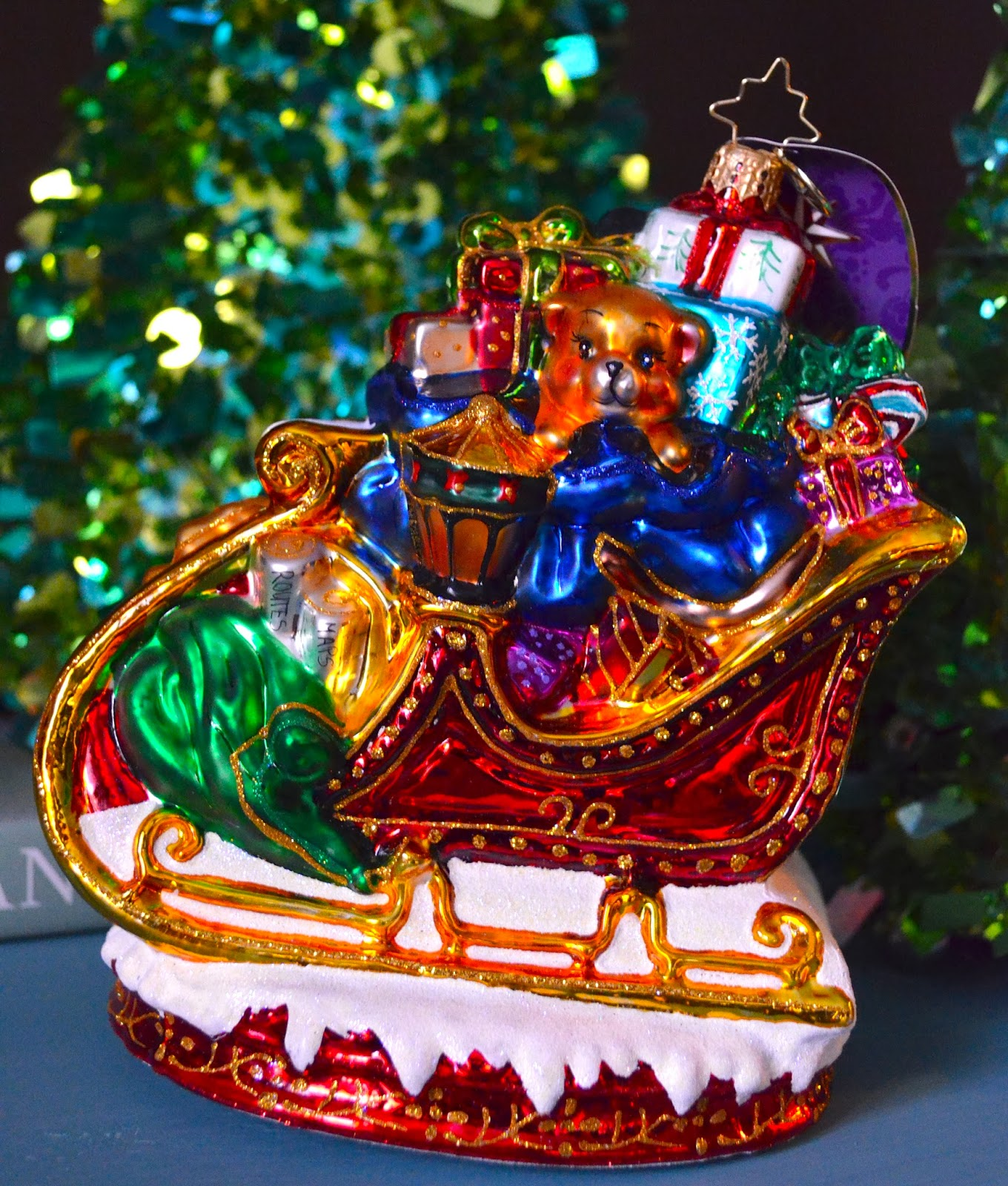 Santa sleigh ornament - My Ornament Was Ready For Takeoff And Is A Beautiful Santa Sleigh Packed With Goodies