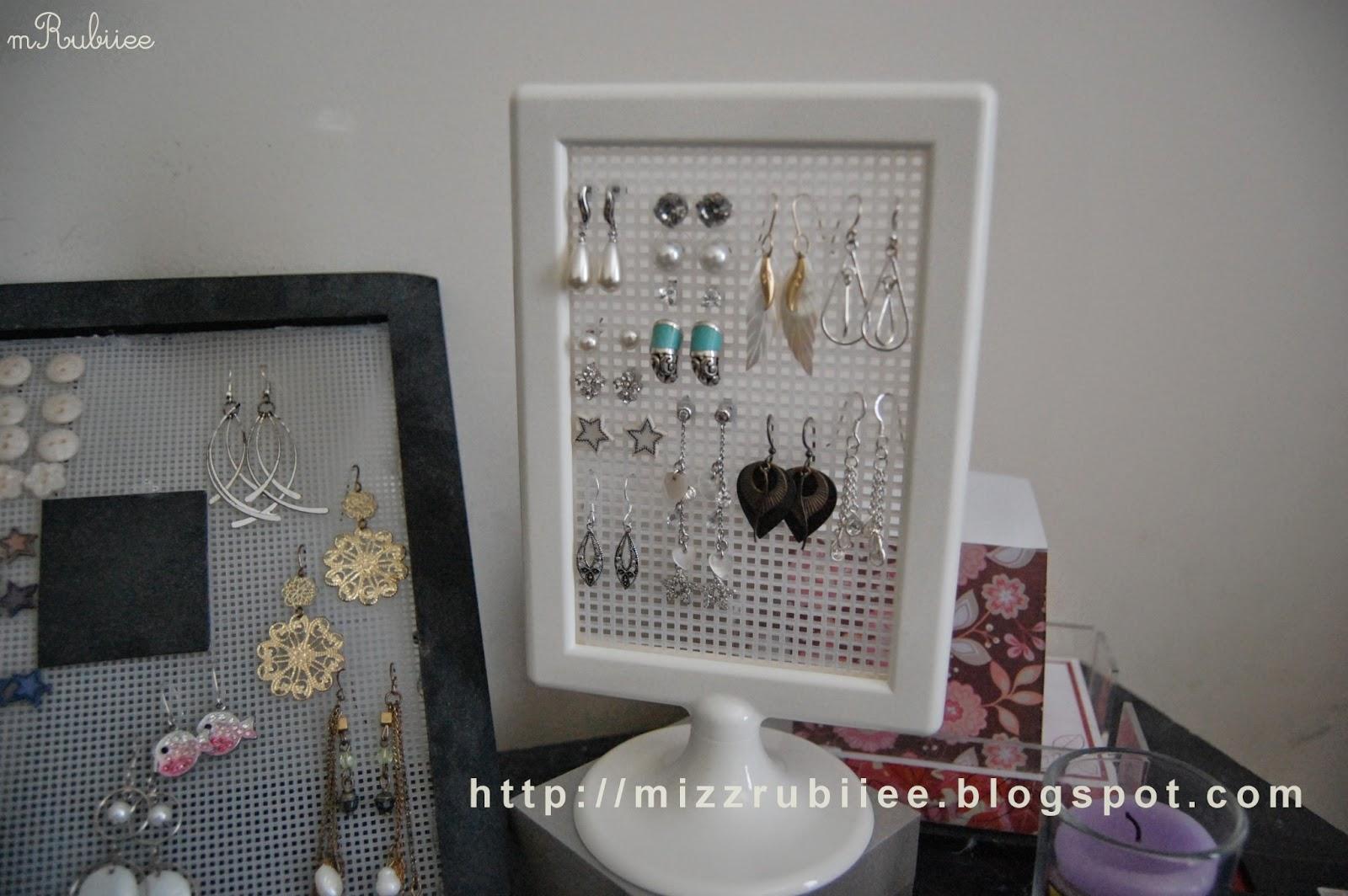 {DIY} Stud Earring holder