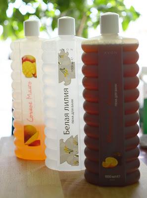 """Пенки для ванны Avon """"Шоколад и Апельсин"""", """"Сочное манго"""", """"Белая лилия""""."""