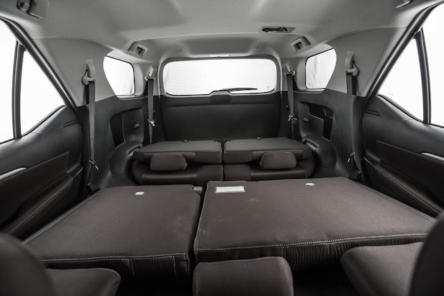 Toyota Hilux SW4 Flex 2017 - espaço interno