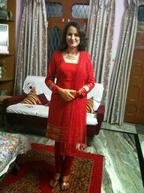 hot-sexy-bhabhi-in-red-dress