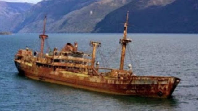بعد 90 عاما من أختفائها في مثلث برمودا السفينة تظهر من جديد لن تصدق كيف اصبح شكلها وما جري لطاقمها !!