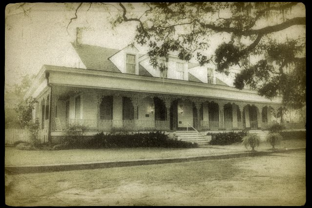 "American Hauntings: DEBUNKING THE ""HISTORY"" OF THE MYRTLES ..."